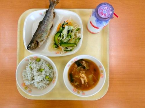 四賀の小中学校の絶品給食をご紹介します♪